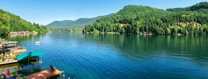 Lake Sutherland is one of Seattle's Swimming Holes.