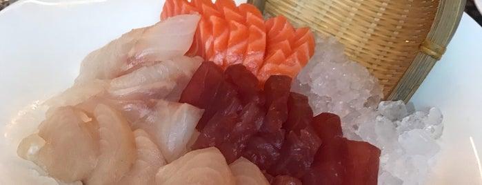 Koi Restaurant is one of Posti che sono piaciuti a Marco.