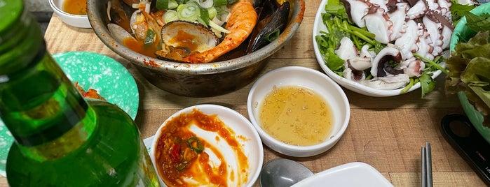 서촌계단집 is one of seafood.