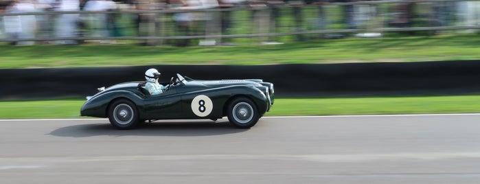 Goodwood Motor Racing Circuit is one of Michael'in Beğendiği Mekanlar.