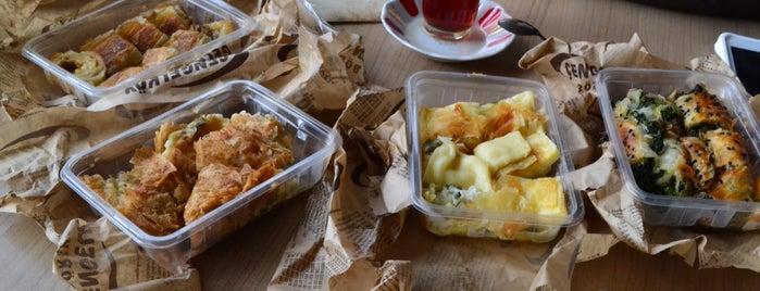 Çengelköy Börekçisi is one of Posti che sono piaciuti a Greta.