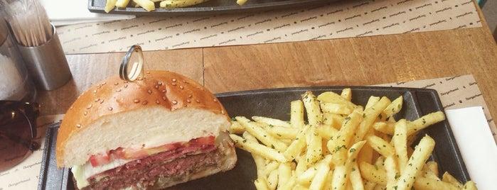 Burgerhood is one of Nişantaşı'nda Öğle Yemeği Arası.