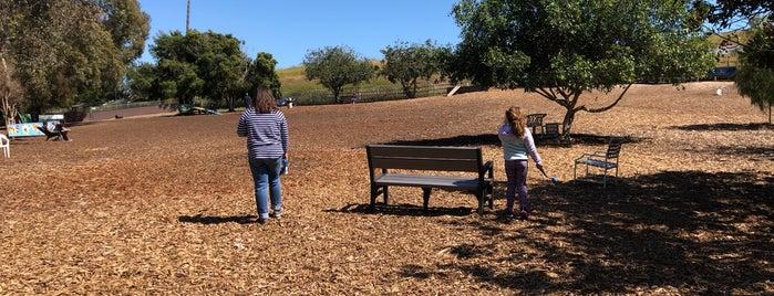 Huntington Beach Dog Park is one of Locais curtidos por Ryan.