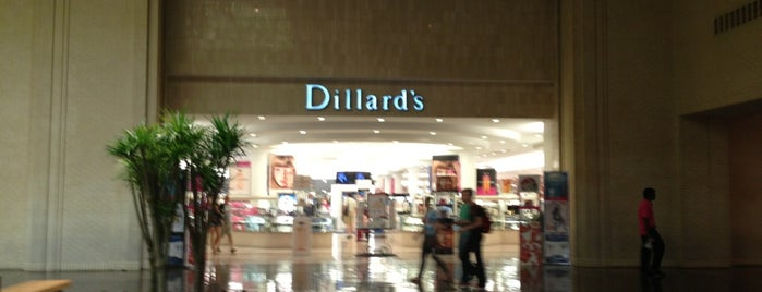Dillard's is one of Keitha'nın Beğendiği Mekanlar.