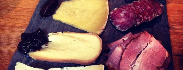 Murray's Cheese Bar is one of Michelin Guide NYC 2014 - Bib Gourmand.