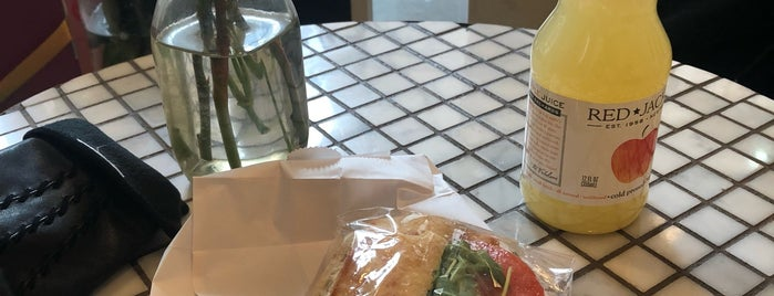 Woops! is one of Lieux qui ont plu à Genabeebee.