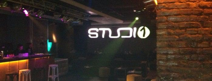 studio1 is one of Lieux sauvegardés par Ama.