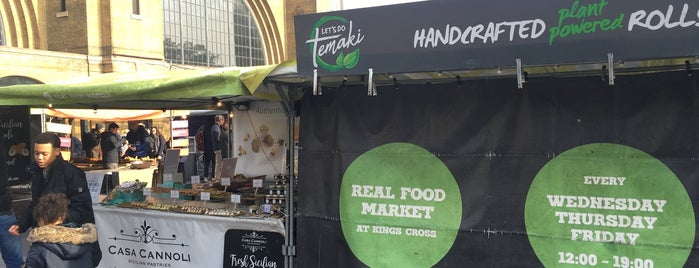 Kings Cross Real Food Market is one of Locais curtidos por Paul.