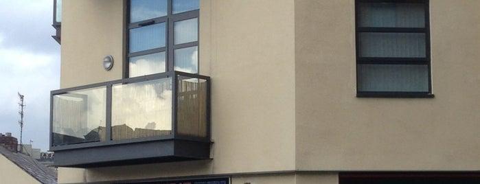 Sheffield Window Centre is one of Locais salvos de Meredith.
