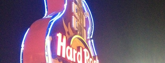 Hard Rock Cafe Bogota is one of Locais curtidos por Alexandra.