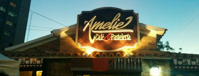 Amelie Café is one of Lieux qui ont plu à Massiel.