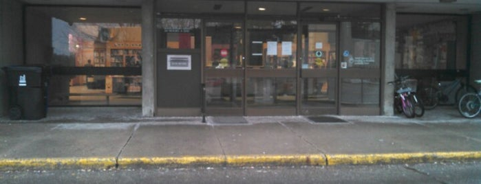 Toronto Public Library - York Woods Branch is one of Read People!!!!.