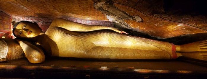 Dambulla Cave Temple is one of Orte, die Y.Byelbblk gefallen.