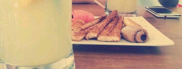 Tarçın Cafe & Patisserie is one of Locais salvos de Gl.