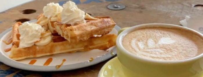 Le Peloton Café is one of IS : понравившиеся места.