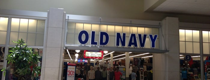 Old Navy is one of Tempat yang Disukai Mariesther.