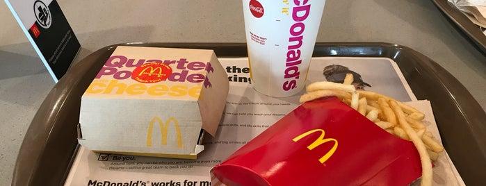 McDonald's is one of Posti che sono piaciuti a DFB.
