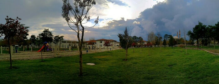 Sümer Park is one of Diyarbakır: Gezilecek yerler.