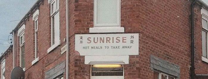 Sunrise takeaway (KENS) is one of Carl'ın Beğendiği Mekanlar.