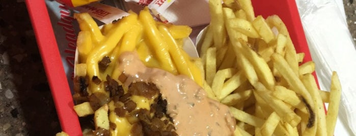 In-N-Out Burger is one of Lugares favoritos de Faith.