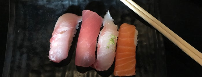 Oguru Sushi Bar is one of Lucas 님이 좋아한 장소.