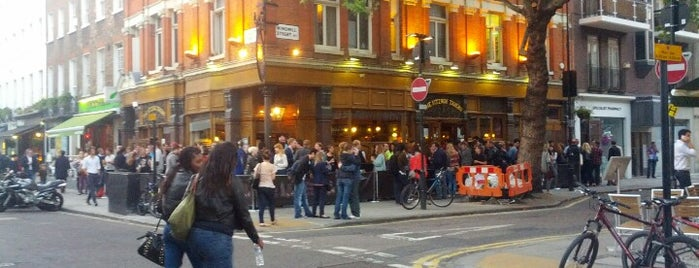 Fitzroy Tavern is one of london.