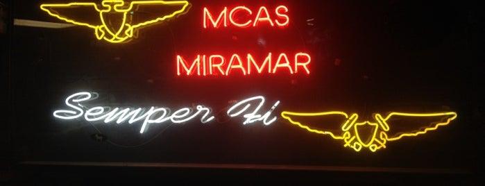 Miramar Officers' Club is one of Lieux qui ont plu à Matthew.