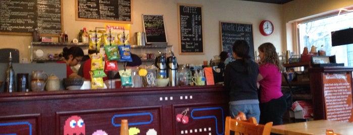 Berry Pike Cafe is one of Orte, die Delaney gefallen.