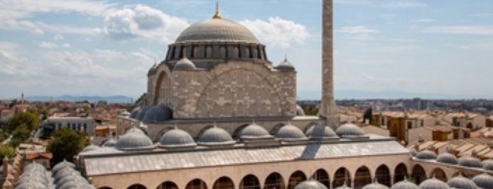 Edirnekapı Mihrimah Sultan Camii is one of Lugares favoritos de Enes.