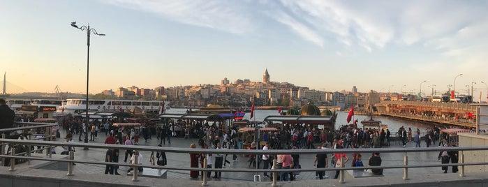 Eminönü Meydanı is one of Lugares favoritos de Enes.