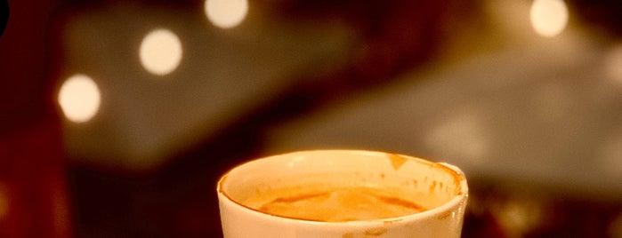 Caffé Nero is one of Lugares favoritos de Enes.