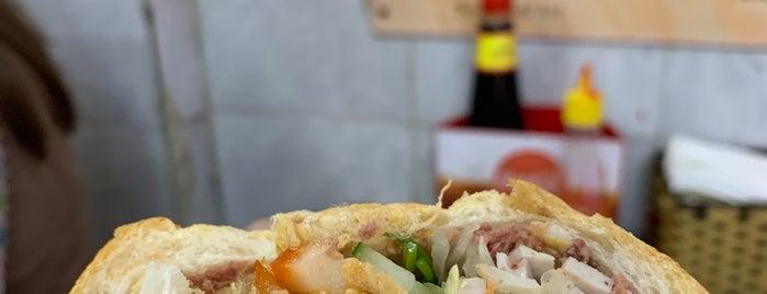 bánh mỳ phố cổ is one of Vietnam.