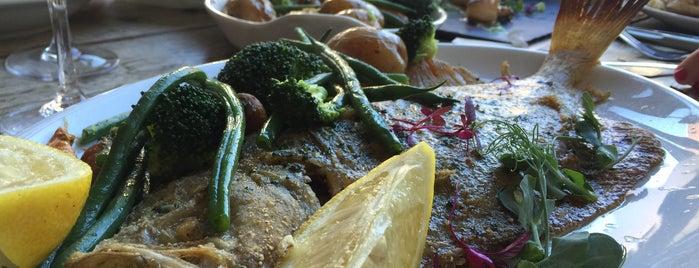 Storm Fish Restaurant is one of Locais curtidos por Leonard.