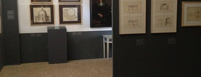 Koetshuis Van Loon is one of Must-visit Musea Amsterdam.