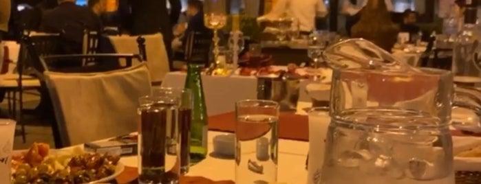 Bayazhan Restaurant is one of TC'ın Beğendiği Mekanlar.
