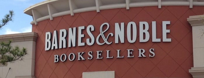 Barnes & Noble is one of Orte, die Rita gefallen.