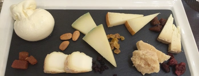 Poncelet Cheese Bar is one of Para Probar en Madrid.