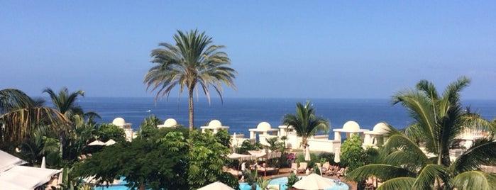 Vincci Seleccion La Plantacion Del Sur Hotel Tenerife is one of Locais curtidos por Julia.