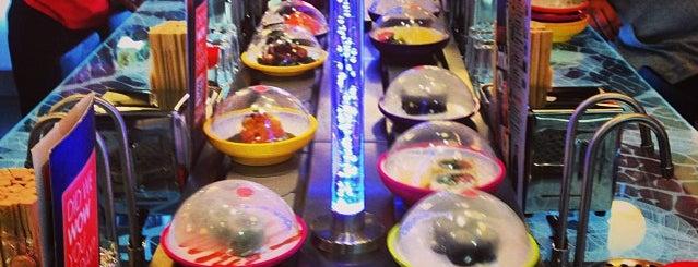 YO! Sushi is one of Tempat yang Disukai Reeta.
