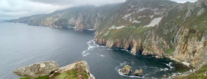 Bunglas is one of (Northern) Ireland.