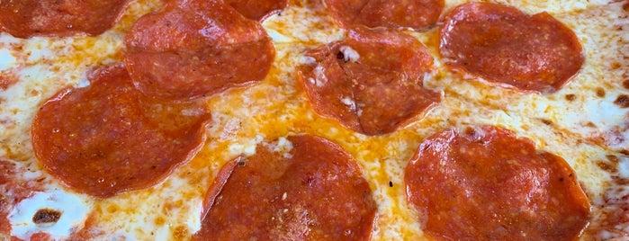 Sedona Pizza Company is one of Jeremy'in Beğendiği Mekanlar.