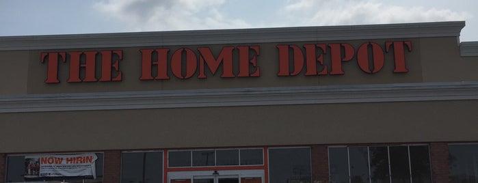 The Home Depot is one of Tempat yang Disukai Paulina.