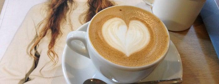 Satan's Coffee is one of Barcelona( завтраки/соки/капкейки/пончики).