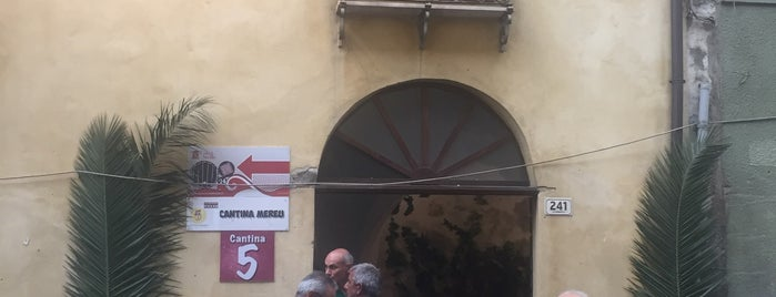 Merula Bar Enoteca Trattoria is one of Orte, die Mariam gefallen.