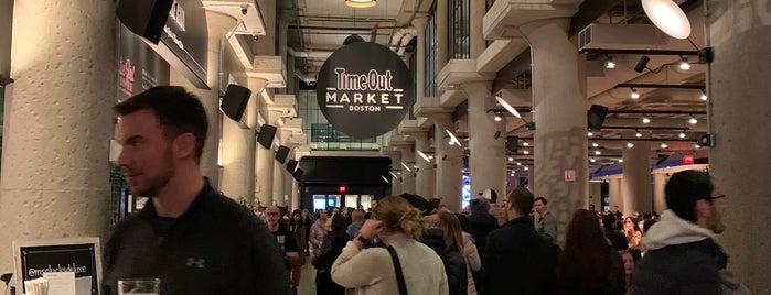 Time Out Market is one of สถานที่ที่ Al ถูกใจ.