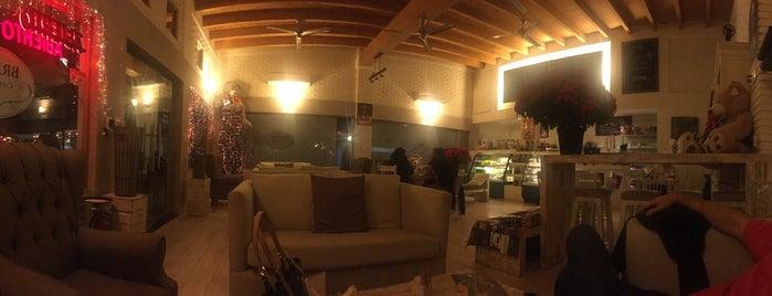 Bretaña Coffee Shop is one of Lugares favoritos de Ross.