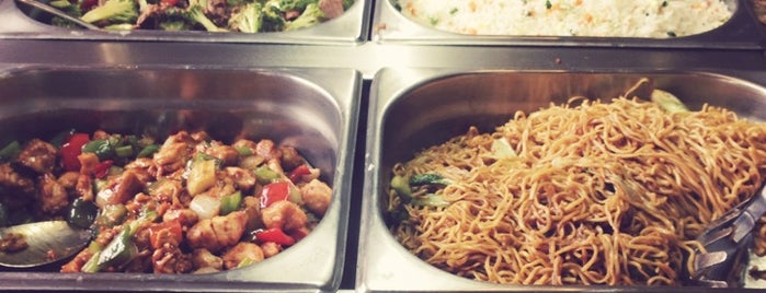 Golden Plaza Chinese Restaurant is one of Tempat yang Disukai Tiffany.