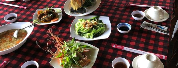 Nhà Hàng Sinh Thái Việt Nhật is one of Tomato : понравившиеся места.
