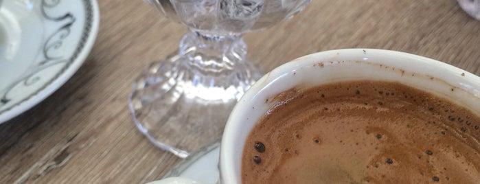 Slow Cafe & Restaurant is one of Tempat yang Disukai Serpil.