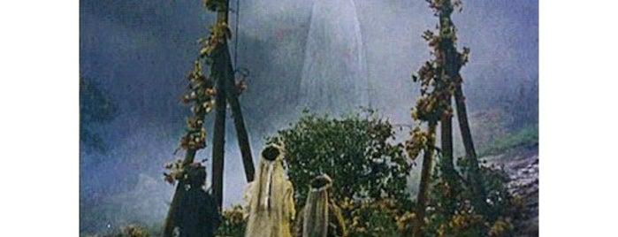 Casa Mexicana/Portuguesa is one of Lugares favoritos de John.